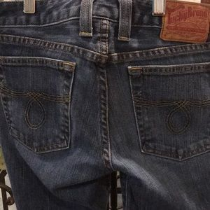 Lucky Jeans Size 26. Sit low on waist. Boot cut.